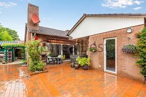 Modernisiertes EFH mit Terrasse- leer